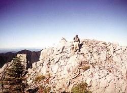 光岳(2591m)